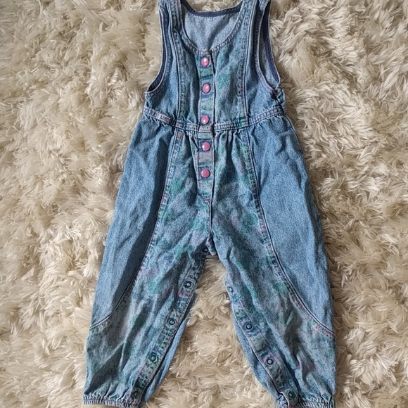 05fb86b6c16 Vintage Lee girls denim romper. M 5b7af93d04e33d2dca8a55cf